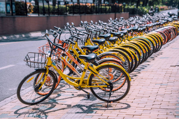 Gelbe Autovermietung Zyklen in Shanghai, China – Foto