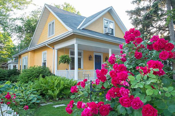 home and garden - garten haus stock-fotos und bilder