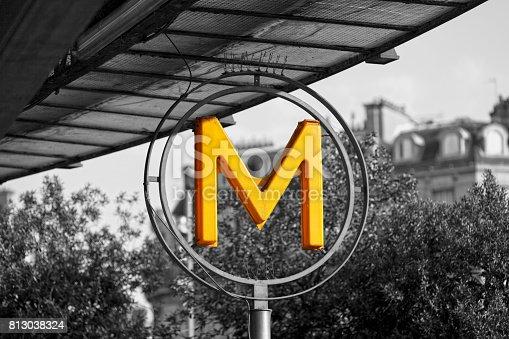 istock Yellow Paris Metro sign 813038324
