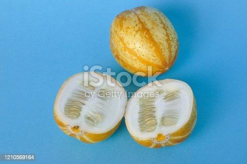 yellow pepino