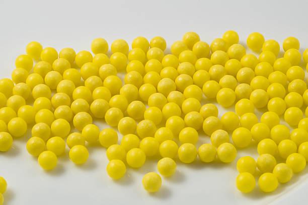 gelbe details - riesenblasen rezept stock-fotos und bilder
