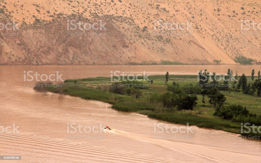 Yellow River (Huang He) - amazing landscape in Shapotou scenic area, Ningxia province of China stock photo