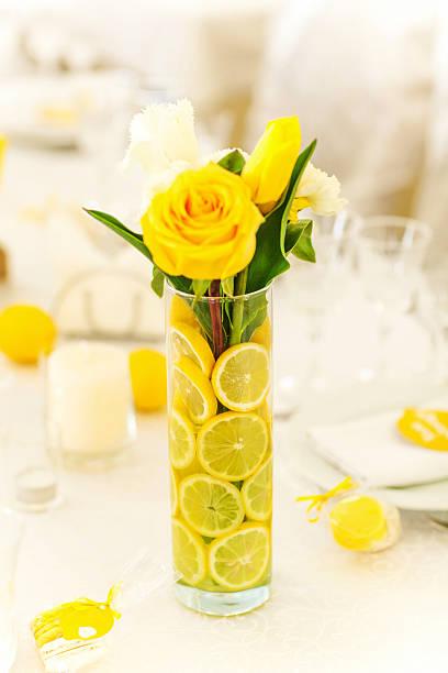 Gelbe Rosen in vase – Foto