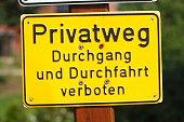Gelbes Schild Privatweg