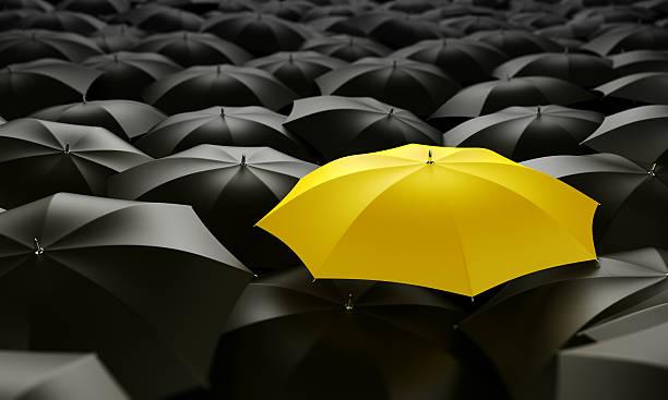 Gelben Regenschirm – Foto