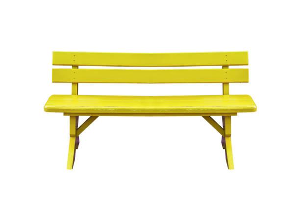 gelbe holzbank isoliert auf weißem hintergrund mit beschneidungspfad. - vorschuldekorationen stock-fotos und bilder