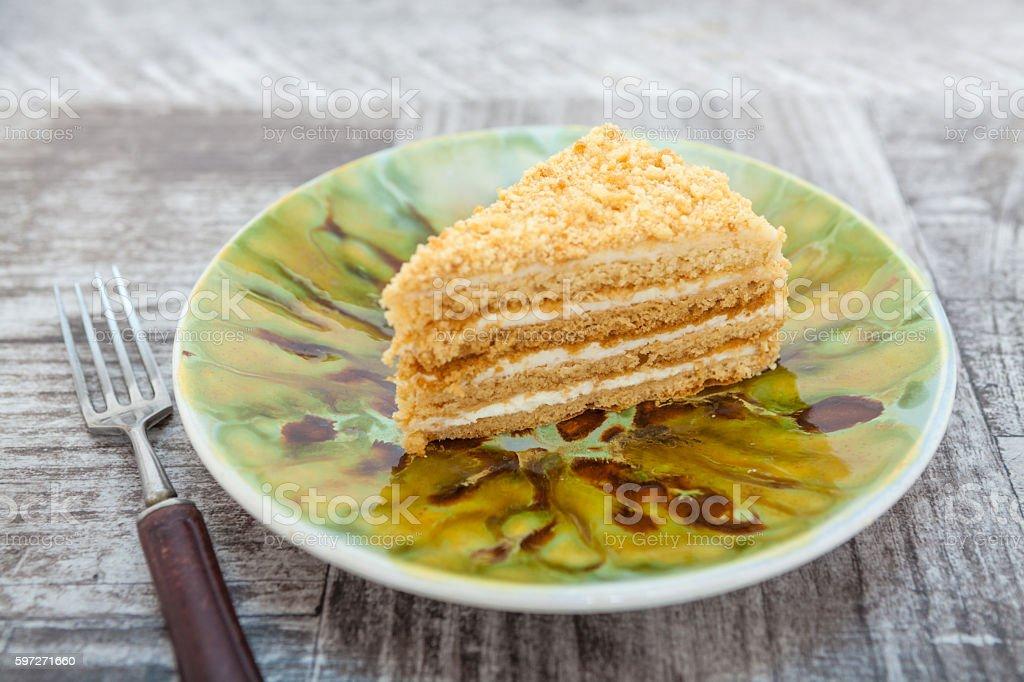 Yellow yoghurt cake with jam photo libre de droits
