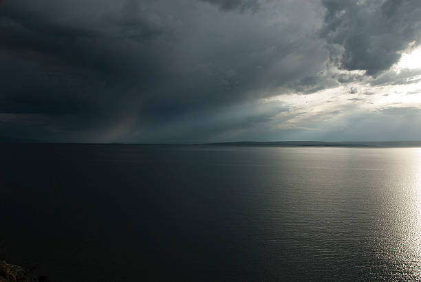 yellowstone lake - jake*s stock-fotos und bilder