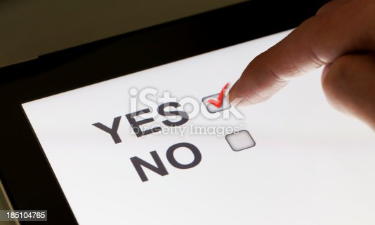 istock Yes and no checkboxes on a tablet 185104765