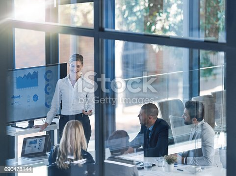 istock Yes I will gladly answer your questions 690478144