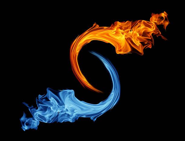 yin-yang simbolo di ghiaccio e fuoco - ice on fire foto e immagini stock