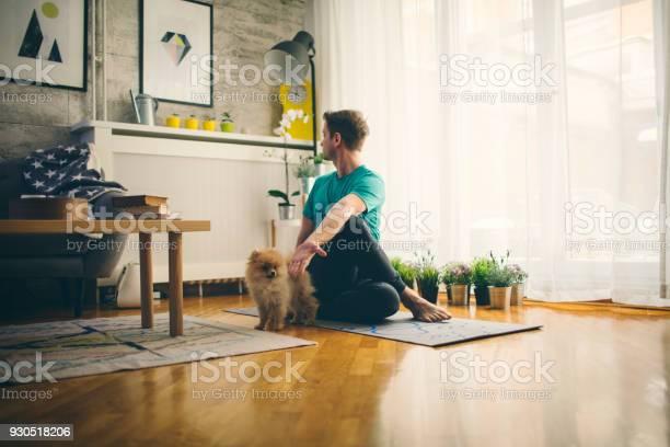 Yoga at home picture id930518206?b=1&k=6&m=930518206&s=612x612&h=jaixe98vt zvqefheeeqz 3ang7cx4en 9ai3 0x72c=