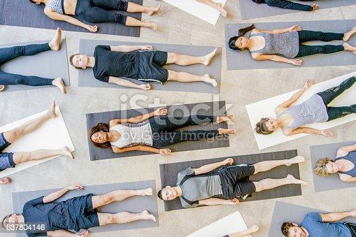 637804152istockphoto Yoga Class 637804146