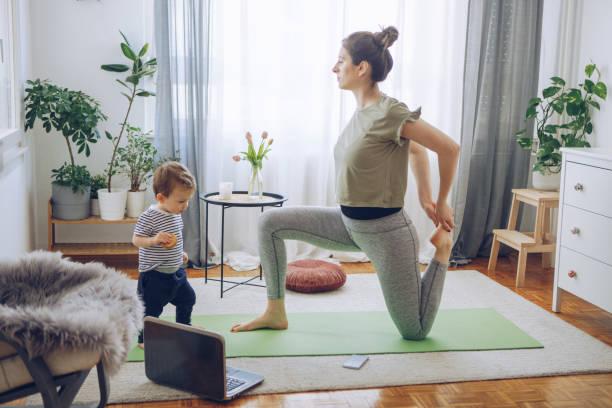 Yoga ejercicio - foto de stock