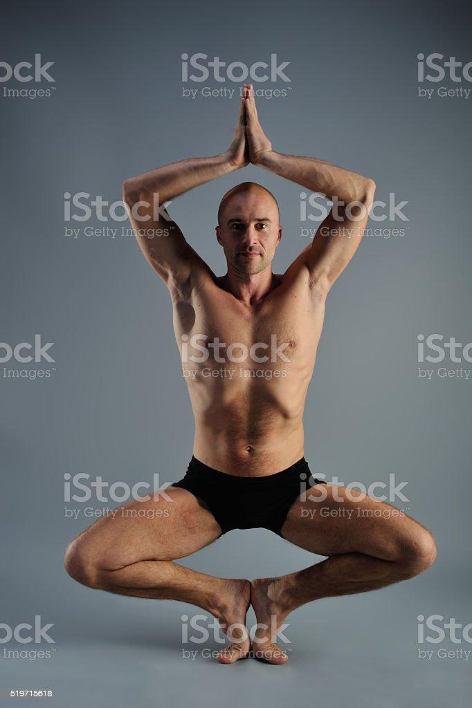 Nudo yoga adolescenti