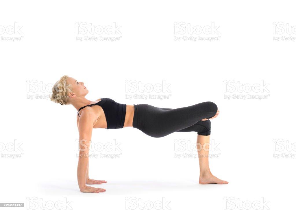 Fotografía de Profesor De Yoga Realizando Asanas Pose Setu Bandha ...