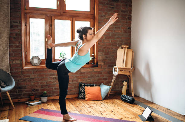 Yoga-Training im Wohnzimmer – Foto
