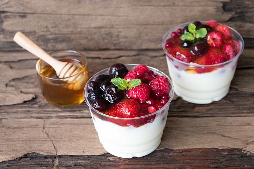 840939766 istock photo Yogurt, fruit and honey 911862224