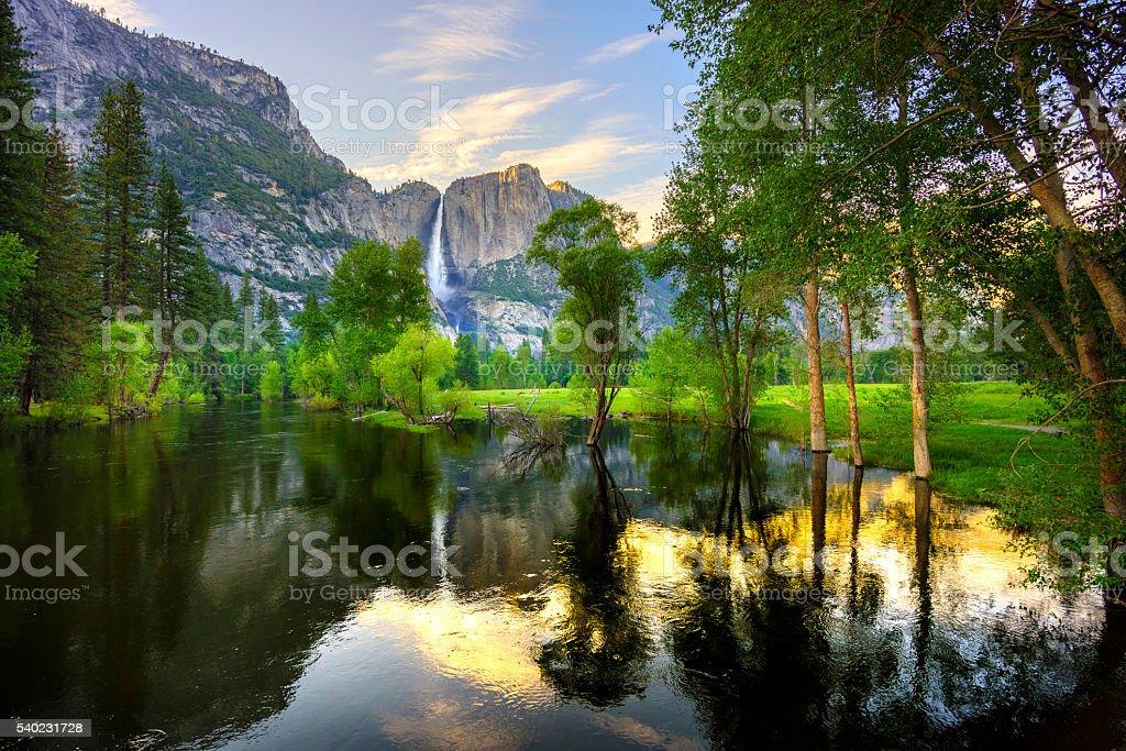 Cascadas de Yosemite - foto de stock