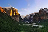 Sunrise Yosemite National Park from Tunnel View