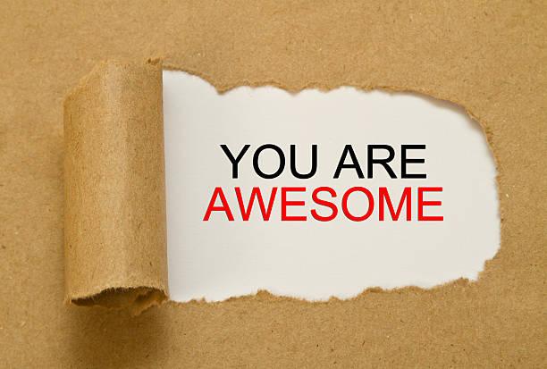 vous êtes fantastique message écrit en papier déchiré - admiration photos et images de collection