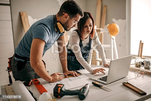 891274328 istock photo You are the biggest help 1143376576