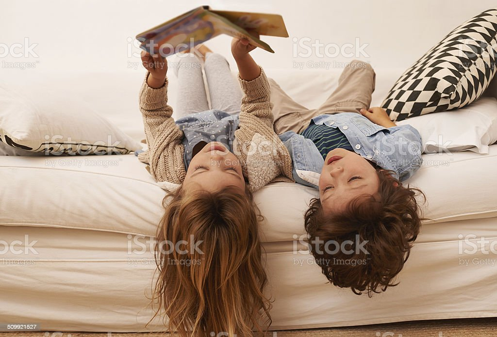 You can always get lost in a book - Royalty-free 6-7 jaar Stockfoto