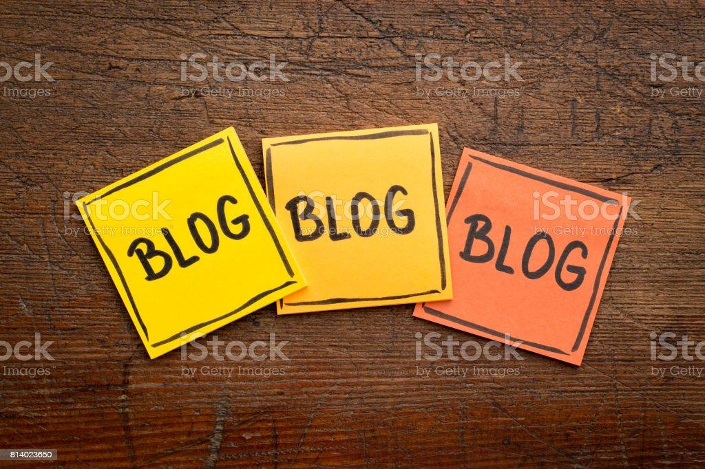 tienes blog notas de recordatorio - foto de stock