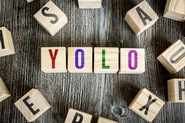yolo-man nur einmal lebt - das leben genießen zitate stock-fotos und bilder