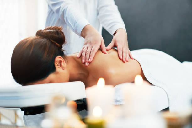 you'll feel so rejuvenated after one of our treatments - china drug foto e immagini stock