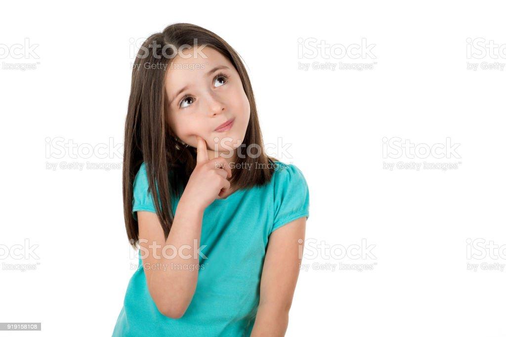 Junge 6 Jahre alt Mädchen denken, auf der Suche nach Ideen oder diskutieren nachschlagen. – Foto