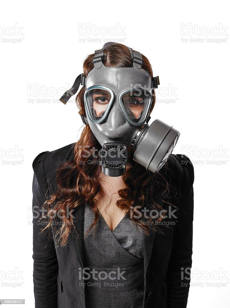 frau mit gasmaske