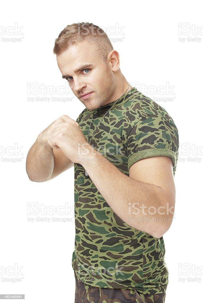 Junge Soldat in Kampfpose – Foto