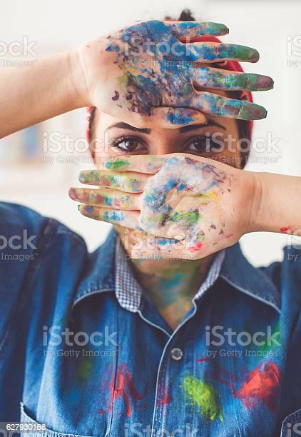 Young artist in mess picture id627930168?b=1&k=6&m=627930168&s=612x612&h=qhixckzyl8s2e8 blslwgm6laxh1rqgxuy0katuhpes=