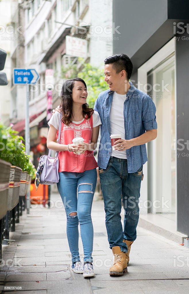 Young Asian couple on a date foto de stock libre de derechos