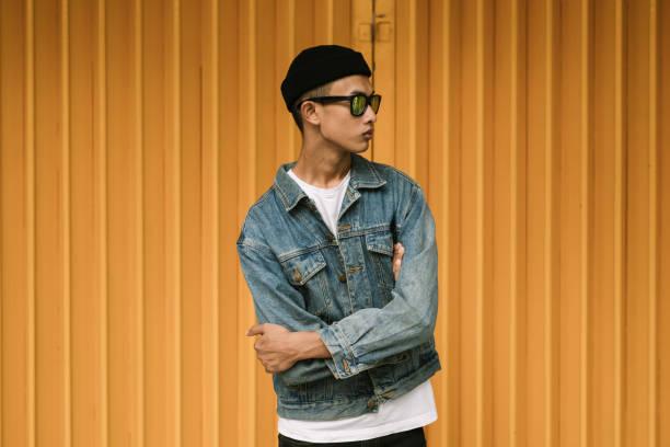 jeune homme asiatique - génération z photos et images de collection