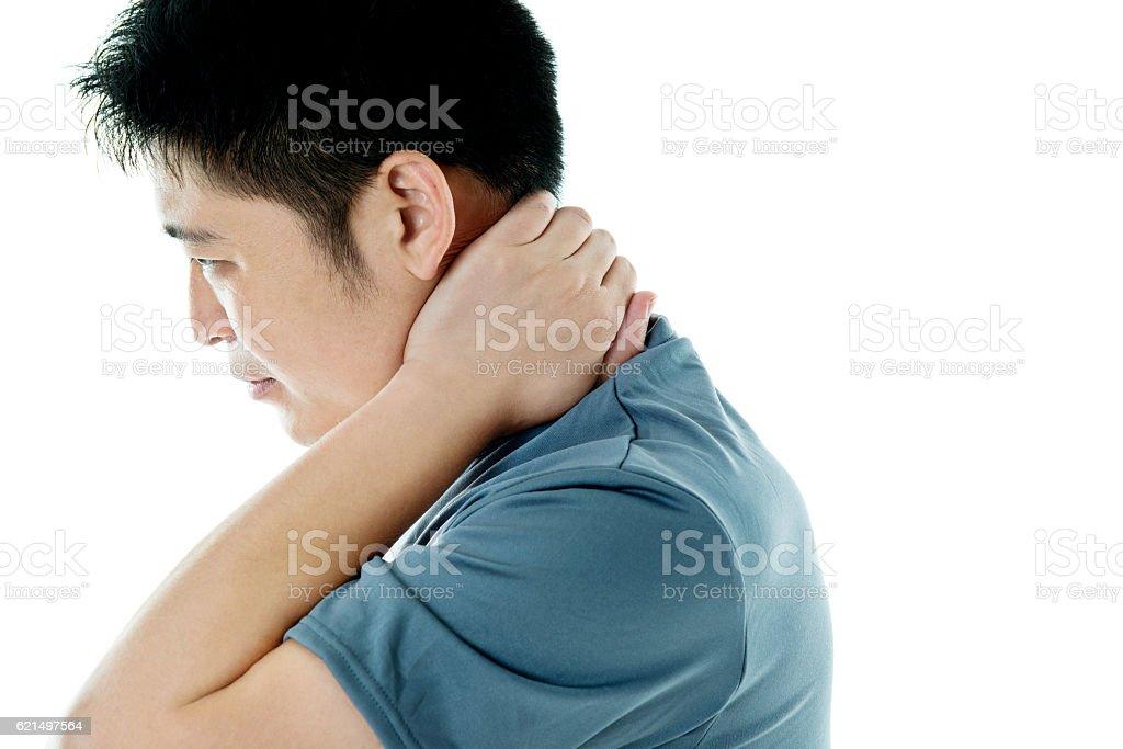 Junger asiatischer Mann mit Hals Schmerzen Lizenzfreies stock-foto