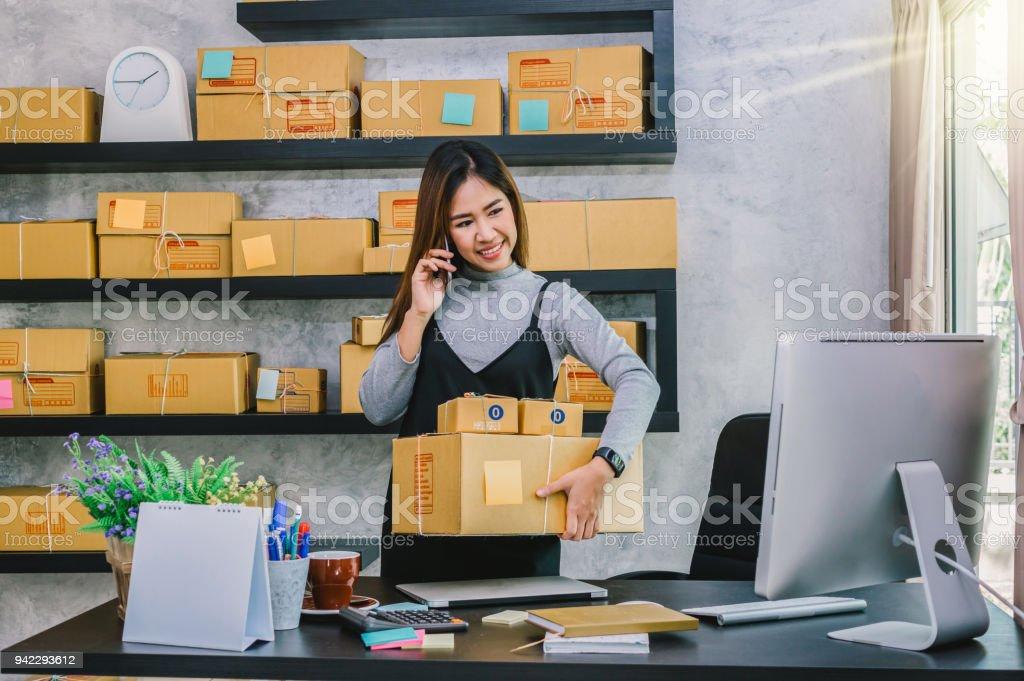 Photo de stock de jeune adolescent asiatique propriétaire entreprise