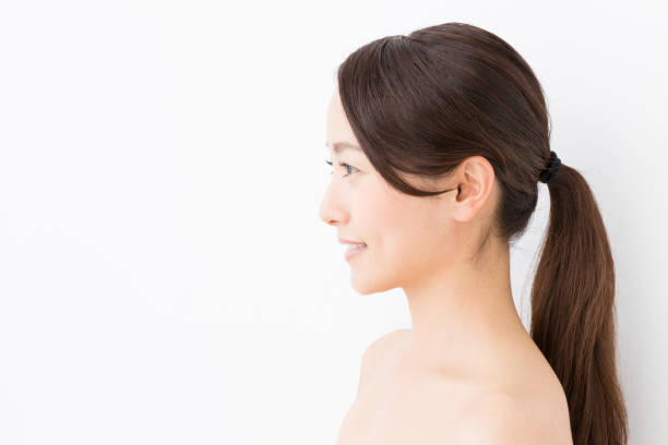 白い背景に分離された若いアジア女性美画像 - スタジオ 日本人 ストックフォトと画像