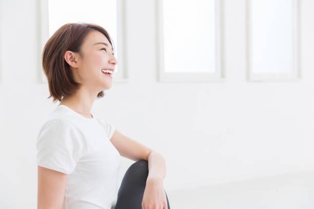 若いアジアの女性 - 女性 ストックフォトと画像