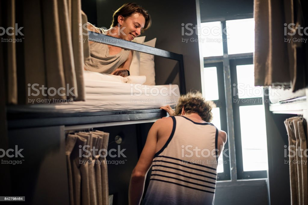 Jeune routard à hostel - Photo