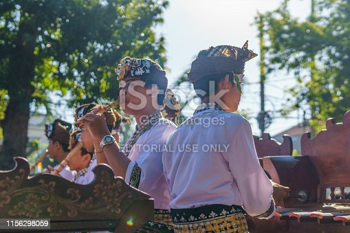 The yearly festival happens in Niti Mandala Renon field. Performers gathered from all districts in Bali as well as other provinces and nations for the arts celebration festival.