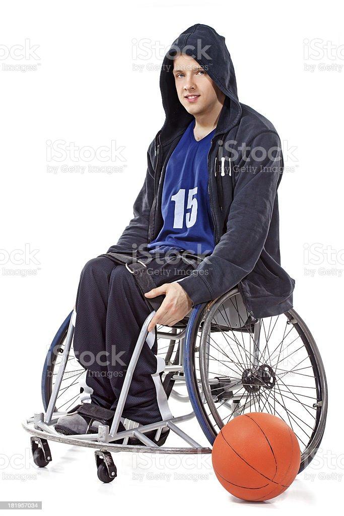 Joven baloncesto jugador de ruedas - foto de stock