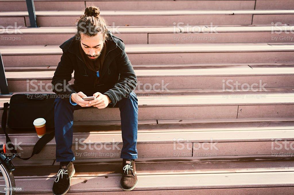 Young Beard Businessman Using Smart Phone. photo libre de droits