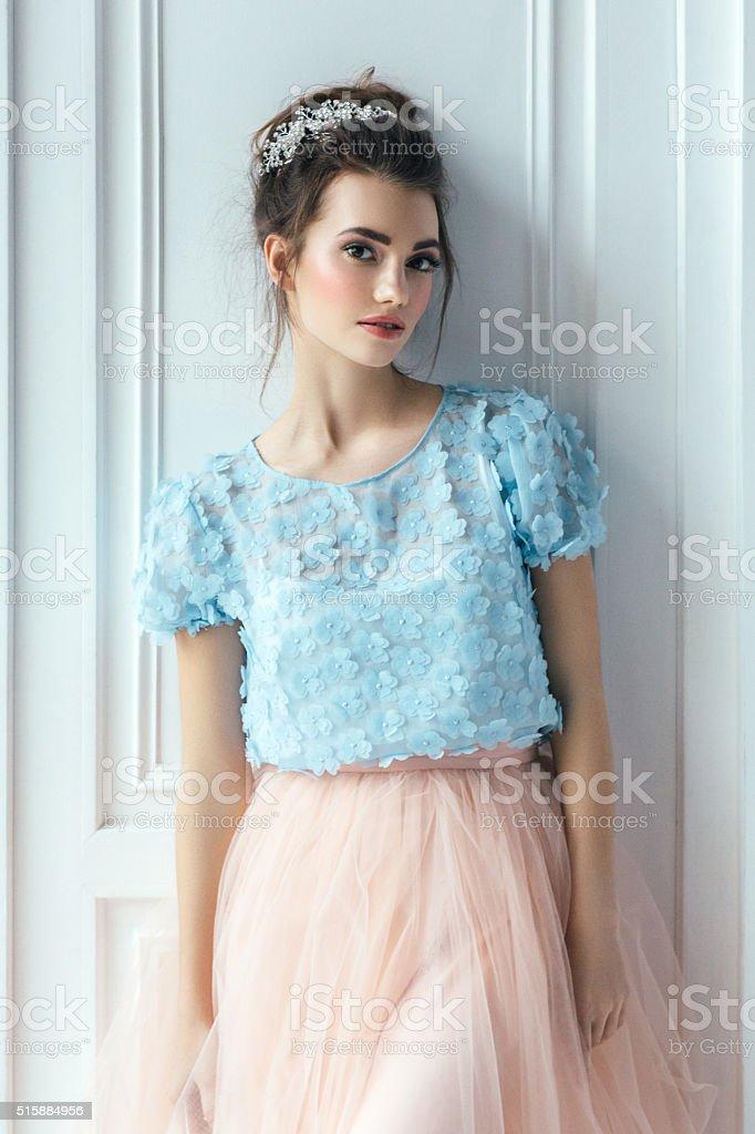 Joven hermosa ballerina - foto de stock