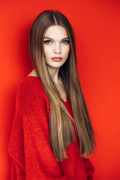 Young beautiful model with long straight hair Young beautiful model with long straight hair straight hair stock pictures, royalty-free photos & images