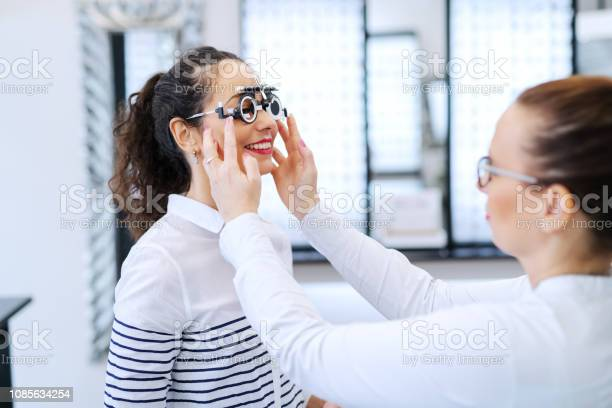Young beautiful woman checking her sight at ophthalmologist on eyes picture id1085634254?b=1&k=6&m=1085634254&s=612x612&h=8uhbs4dqwdruap3sdl29kywr  6sxvvlej4mdpvtxhs=