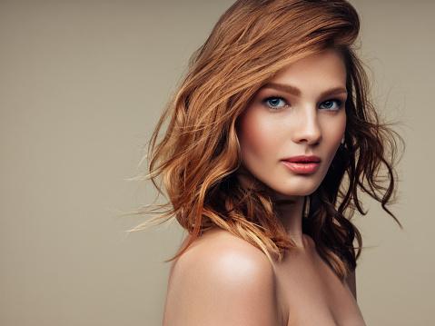 年輕漂亮的女人 照片檔及更多 20多歲 照片