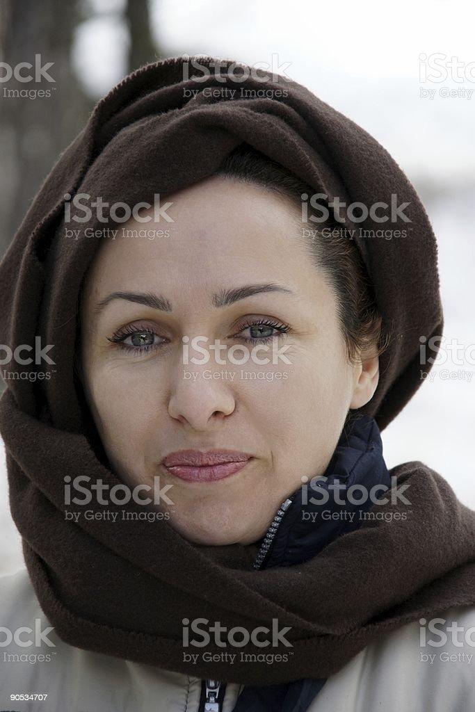 Junge schöne Frau mit grünen Augen Posieren – Foto