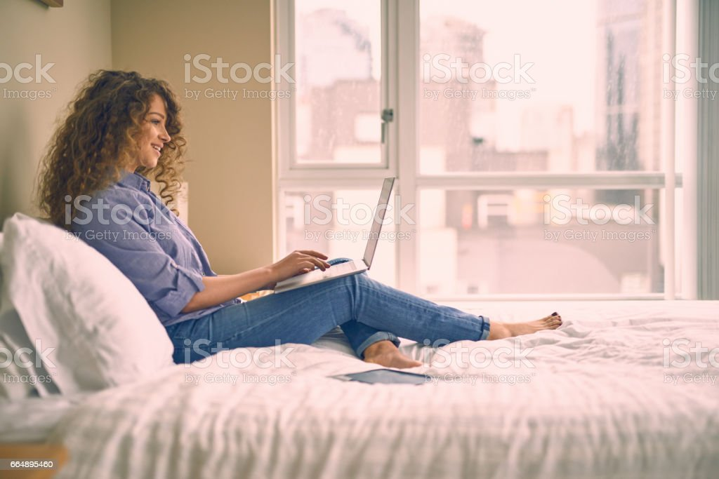 Young beautiful woman working at home foto stock royalty-free